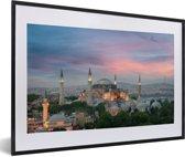 Foto in lijst - Schemering in Istanbul fotolijst zwart met witte passe-partout 60x40 cm - Poster in lijst (Wanddecoratie woonkamer / slaapkamer)