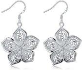 Fashionidea - Mooie zilverkleurige oorbellen in bloemvorm de Silver Flower Earrings
