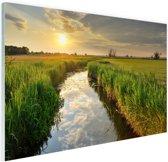 Kreek bij zonsondergang Glas 90x60 cm - Foto print op Glas (Plexiglas wanddecoratie)