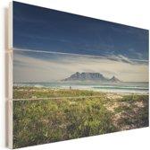 Mooie wolken boven de zee en de Tafelberg in Zuid-Afrika Vurenhout met planken 120x80 cm - Foto print op Hout (Wanddecoratie)