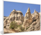 Foto in lijst - Het rotslandschap van het Nationaal park Santa Fe in Panama fotolijst wit 60x40 cm - Poster in lijst (Wanddecoratie woonkamer / slaapkamer)