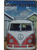 Retro Wandbord - Gone Surfing – Surf op het strand bord – Volkswagen bus bord - VW bus bord - Mannen cadeau - Peacebus bord -  Metalen bord - Emaille Reclame bord - Wandborden - Mancave Decoratie - Garage - Bar - Cafe - Restaurant Style