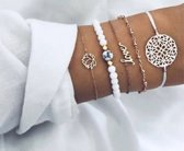 Nr. 5 - Witte armband 5-delig - armband met bloem - armband met kralen - armband love - armband met bolletjes - gouden armband - © Tibri (C)