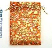 50x Oranje Tulle Organza zakjes 10 x 15 cm met trekkoordje. Snoepzakjes – cadeauzakjes – trouwerij – trouwfeest – babyshower – oranje met gouden rozen opdruk