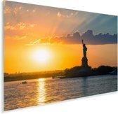 Vrijheidsbeeld en Hudson rivier in New York tijdens zonsondergang Plexiglas 90x60 cm - Foto print op Glas (Plexiglas wanddecoratie)