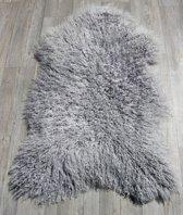 Grote schapenvacht grijs langharig met wavy wol