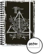 Verdeeld door FANS HARRY POTTER - Notebook A5 - Deathly Hallows Graphics