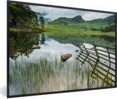 Foto in lijst - Nationaal park Lake District heeft veel verschillende wateren fotolijst zwart 60x40 cm - Poster in lijst (Wanddecoratie woonkamer / slaapkamer)