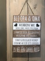 Tekstbord Bij opa & oma 40 x 30 cm