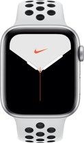 Apple Watch Series 5 Nike - Smartwatch - Zilver - 44mm