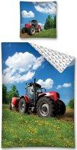 Dekbedovertrek Tractor  - rode trekker in weiland - eenpersoons met 1 kussensloop - 100% katoen