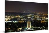 Het Australische parlementsgebouw verlicht in de nacht Aluminium 180x120 cm - Foto print op Aluminium (metaal wanddecoratie) XXL / Groot formaat!
