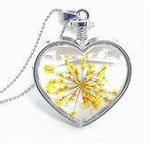 Ketting met hart hanger en ECHTE gedroogde gele bloem