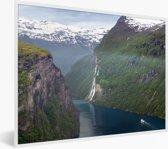 Foto in lijst - Mist bij de Geirangerfjord in Noorwegen fotolijst wit 40x30 cm - Poster in lijst (Wanddecoratie woonkamer / slaapkamer)