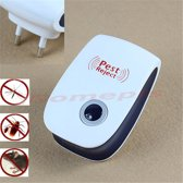 Pest Reject   Anti insecten apparaat Ultrasone Insectenbestrijding. Plug and play