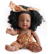 JDBOS ® Bruine pop met zwarte krullen - Afrikaanse pop 30 cm - Speelgoed - pop donkere huidskleur - donkere babypop - zwarte pop