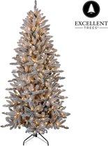 Kerstboom Excellent Trees® LED Visby 150 cm met verlichting - Luxe uitvoering - 220 Lampjes