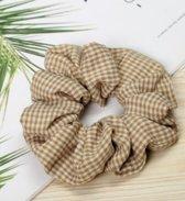 Jumalu ruitjes scrunchie velvet haarwokkel haarelastiekjes - beige - 1 stuk