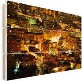Verlichting in de avond in Napels Vurenhout met planken 90x60 cm - Foto print op Hout (Wanddecoratie)