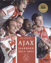 Het officie͏̈le Ajax jaarboek