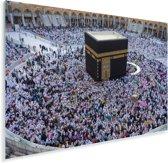 De Kaäba moskee met een aantal biddende moslims Plexiglas 180x120 cm - Foto print op Glas (Plexiglas wanddecoratie) XXL / Groot formaat!