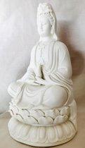 Prachtig wit beeld van Kwan Yin, gemaakt van porselein met diverse details.30cm Kwan Yin, ook wel Quan Yin Guanyin of Kannon boeddha
