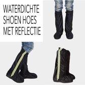 Lange, glanzende regenhoes voor schoenen of laarzen.  -Reflecterende veiligheids strook -Sterke waterdichte stof. Maat 38/39  - zwart
