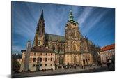 De Praagse Burcht onder een blauwe hemel in Praag Aluminium 30x20 cm - klein - Foto print op Aluminium (metaal wanddecoratie)