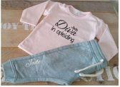 Shirtje roze Diva in opleiding met naam | Lange of korte mouw | lichtroze | maat 56-110