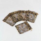Organza zakjes, 10x12cm, zwart met goud en zilver opdruk. Verkocht per 50 stuks