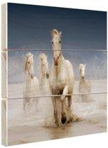 Witte paarden in het water Hout 160x120 cm - Foto print op Hout (Wanddecoratie) XXL / Groot formaat!