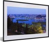 Foto in lijst - Schitterend blauw water voor Istanbul fotolijst zwart met witte passe-partout 60x40 cm - Poster in lijst (Wanddecoratie woonkamer / slaapkamer)