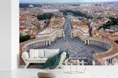 Fotobehang vinyl - Sint-Pietersbasiliek in Italië met uitzicht over het Sint-Pietersplein breedte 540 cm x hoogte 360 cm - Foto print op behang (in 7 formaten beschikbaar)
