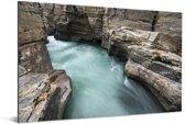 De Abisko-kloof in het Nationaal park Abisko in Scandinavië Aluminium 180x120 cm - Foto print op Aluminium (metaal wanddecoratie) XXL / Groot formaat!