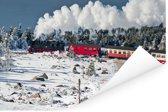 Een stoomlocomotief in de sneeuw Poster 180x120 cm - Foto print op Poster (wanddecoratie woonkamer / slaapkamer) XXL / Groot formaat!