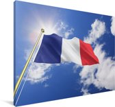 De vlag van Frankrijk op een zonnige dag Canvas 120x80 cm - Foto print op Canvas schilderij (Wanddecoratie woonkamer / slaapkamer)