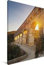 De zon schijnt door de Pont du Gard heen Canvas 90x140 cm - Foto print op Canvas schilderij (Wanddecoratie woonkamer / slaapkamer)