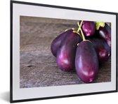 Foto in lijst - Bos van baby aubergines fotolijst zwart met witte passe-partout klein 40x30 cm - Poster in lijst (Wanddecoratie woonkamer / slaapkamer)