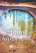 Hand in hand op weg