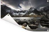 Besneeuwde bergen in de winter in Snowdonia Tuinposter 120x80 cm - Tuindoek / Buitencanvas / Schilderijen voor buiten (tuin decoratie)