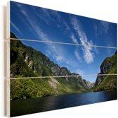 Berglandschap in het Nationaal park Gros Morne in Canada Vurenhout met planken 120x80 cm - Foto print op Hout (Wanddecoratie)