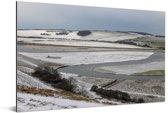 Winterlandschap van het Nationaal park South Downs in Engeland Aluminium 180x120 cm - Foto print op Aluminium (metaal wanddecoratie) XXL / Groot formaat!