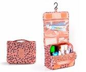 Toilettas met ophanghaak leopard, roze - travel bag hook - make up tas met haak - beauty case