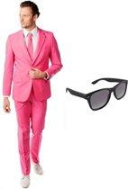 Roze heren kostuum / pak - maat 54 (2XL) met gratis zonnebril