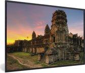 Foto in lijst - Zonsopgang in Angkor Wat in Cambodja fotolijst zwart 60x40 cm - Poster in lijst (Wanddecoratie woonkamer / slaapkamer)