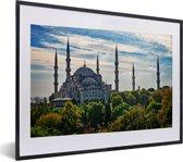 Foto in lijst - De Sultan Ahmed Moskeei in Istanbul fotolijst zwart met witte passe-partout klein 40x30 cm - Poster in lijst (Wanddecoratie woonkamer / slaapkamer)