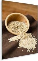 Quinoa in een houten kommetje op donker tafelkleed Plexiglas 80x120 cm - Foto print op Glas (Plexiglas wanddecoratie)