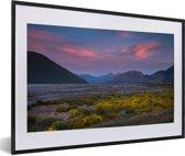 Foto in lijst - Gekleurde lucht boven Nationaal park Arthur's Pass op South-Island fotolijst zwart met witte passe-partout 60x40 cm - Poster in lijst (Wanddecoratie woonkamer / slaapkamer)