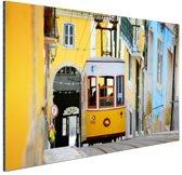 Kleurrijke straten Lissabon Aluminium 90x60 cm - Foto print op Aluminium (metaal wanddecoratie)