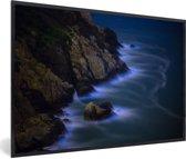 Foto in lijst - Kleurvorming Bioluminescent Baai fotolijst zwart 60x40 cm - Poster in lijst (Wanddecoratie woonkamer / slaapkamer)